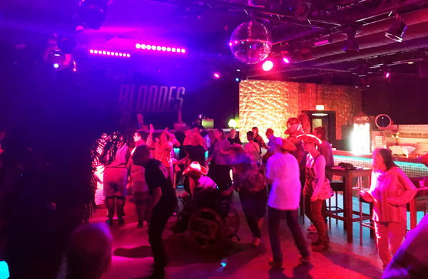 Come together after Work Party_März 2019_Gute Stimmung auf der Tanzfläche im Blondes Merzig.